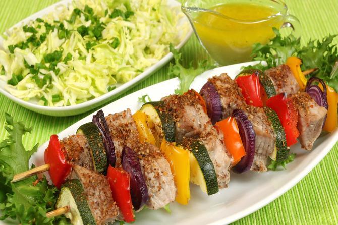 Ražnjići od povrća i mesa