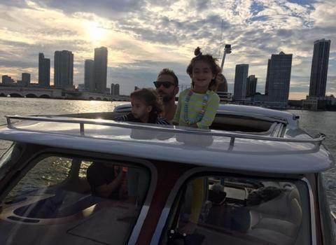 Kako Marko Jarić uživa sa ćerkama!