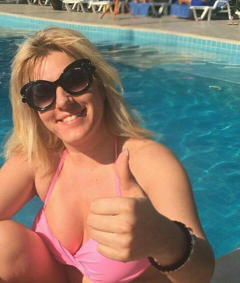 Jelena Golubović pokazala BRADAVICE U PROVIDNOJ HALJINI, a evo šta su joj pratioci poručili!