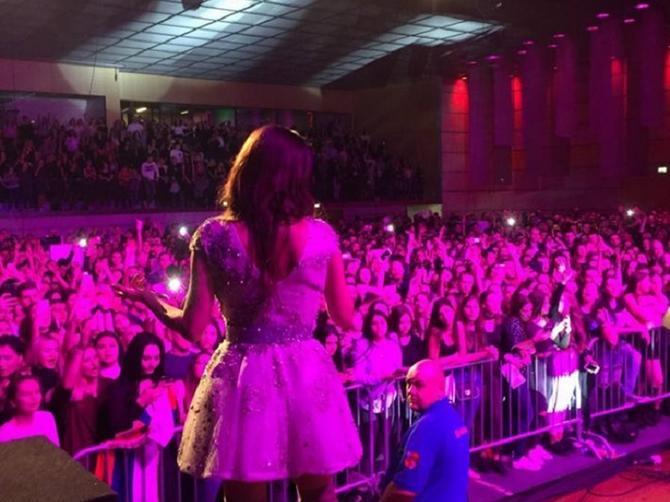 Naša zvezda u mini haljini BLISTALA u Cirihu: A sada ima sjajno iznenađenje za vas!