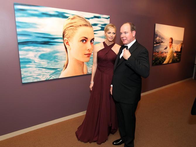 """""""Moja prelepa majka"""":  Princ Albert od Monaka otvorio izložbu posvećenu Grejs Keli"""