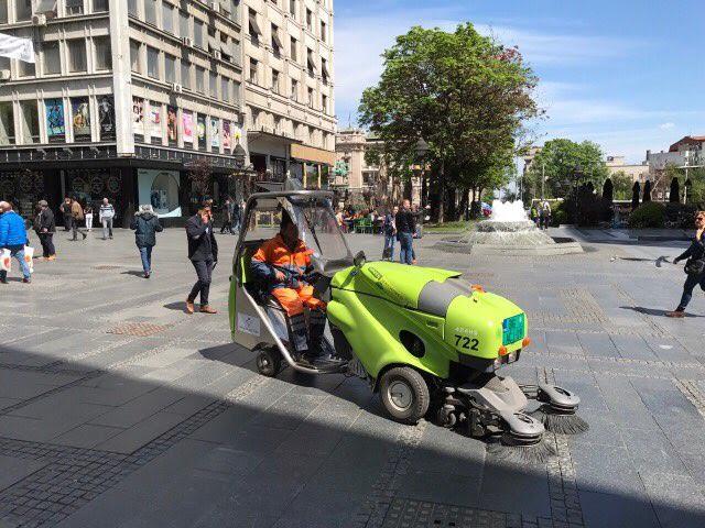 Pored Pe Aka U Knez Mihailovoj Danas I Traktor E