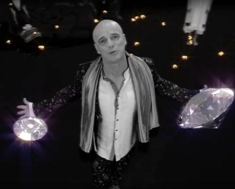 Boban Rajović rasplakao fanove novim spotom u kojem glumi Eva Ras! VIDEO