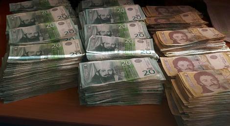 Žalio što nije mogao još sitnice: Hrpa novca koju je doneo D.I.