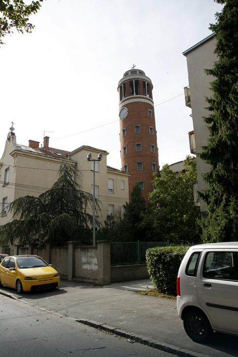 Da li ste znali da i Beograd ima svoj krivi toranj?