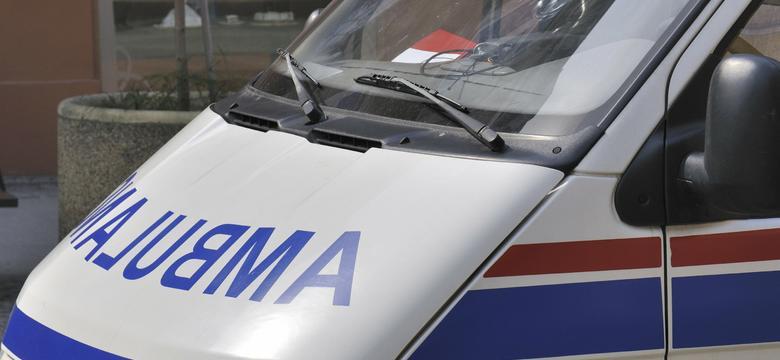 Gradówek: zderzenie radiowozu z busem, jedna osoba nie żyje