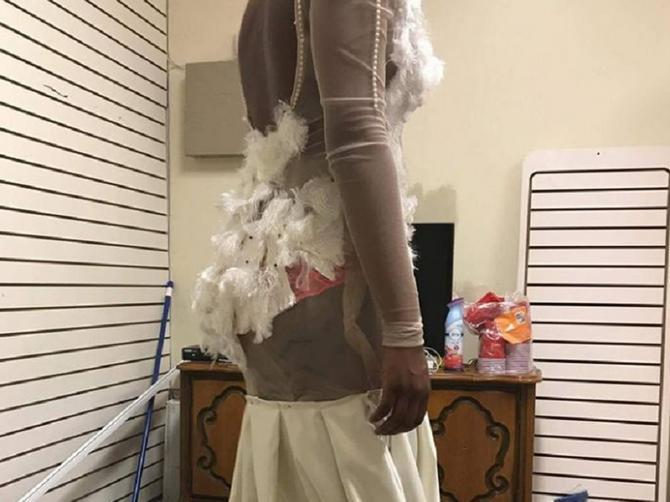 Isporučio joj je ovu haljinu i traži 300 evra za nju: Kada je ugledala ovaj haos, doživela je najveće razočaranje u životu!