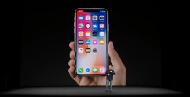 iPhone X (foto: youtube.com)