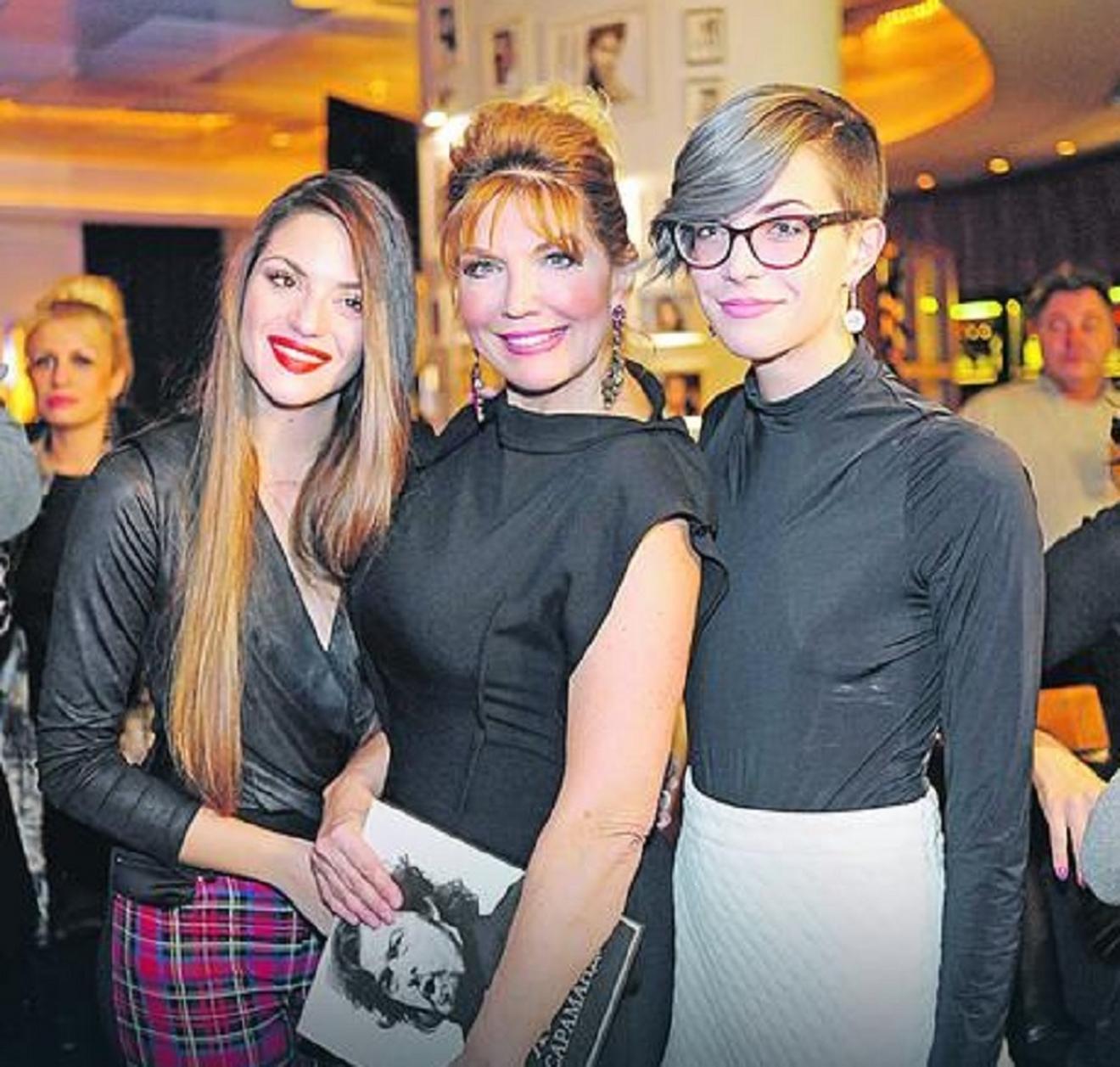 Neke ćerke su ujedinile tatine i mamine gene: Suzana Mančić sa ćerkama Teodorom i Natalijom