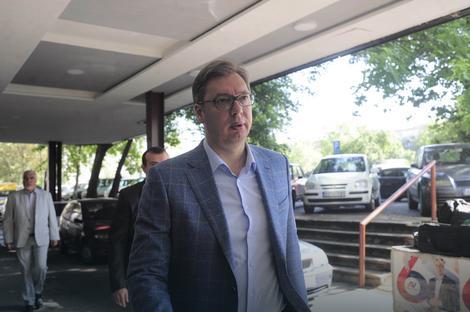 Na sastank je stigao i predsednik Srbije i lider naprednjaka Aleksandar Vučić