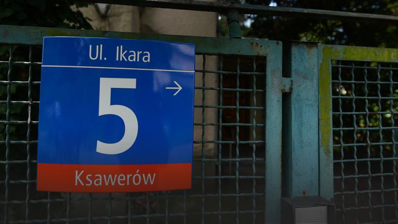 Nieruchomość przy ul. Ikara 5 w Warszawie. Posesja jest warta wiele milionów złotych