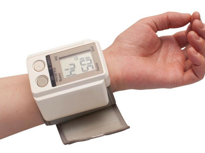 Kardiolozi objašnjavaju: Sve što niste znali o krvnom pritisku i zašto je važno da ga merite ujutru