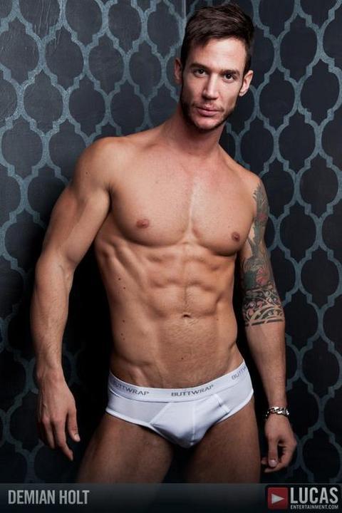 Bio je mister Srbije, snimio gej pornić, a danas živi u Njujorku i izgleda ovako!