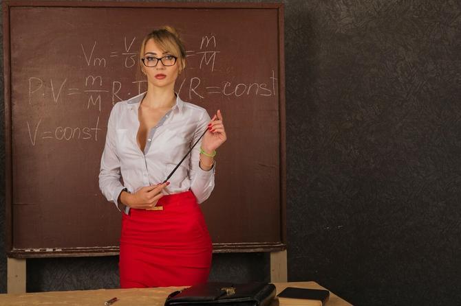 Nastavnica ga je izmanipulisala i uvukla u svoju mrežu