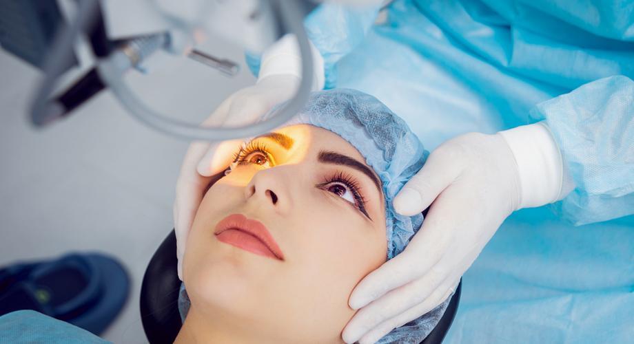 Percek alatt lehet tökéletes a látása  tények a lézeres szemműtétről 113f82f4fa