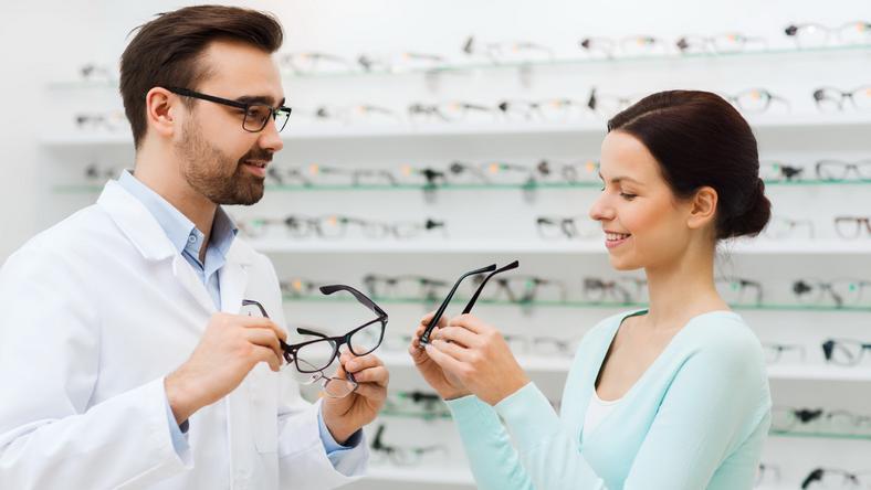 Így válasszunk tökéletes szemüveget magunknak - Blikk Rúzs 5bb86bf2cd