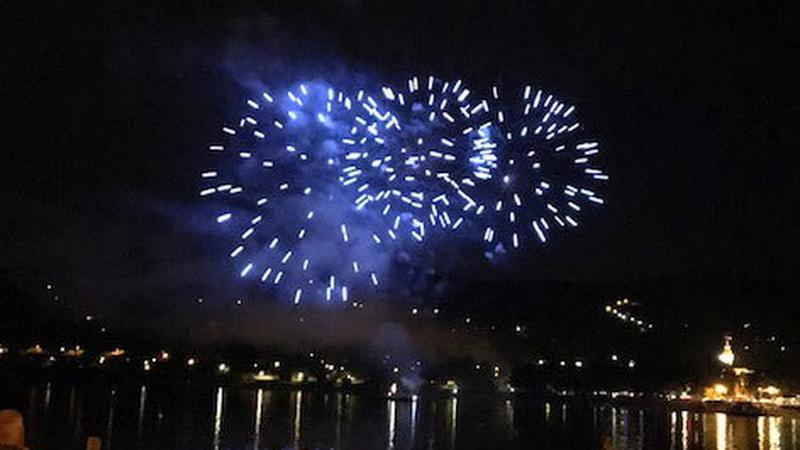 Augusztus 20.: már a nemzeti ünnep előtti napon lenyomtak pár tűzijátékot – Nézze milyen szép! – fotók