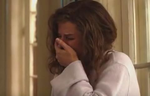 JEZIV SNIMAK PROCUREO U JAVNOST: Slavna glumica molila za pomoć dok joj je silovatelj provaljivao u kuću (VIDEO)