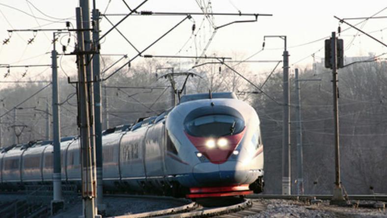 Halálos gázolás és kidőlt fa Pécelnél: emiatt késnek a vonatok a miskolci vonalon