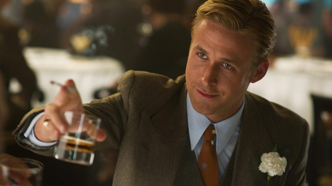 "Ryan Gosling w filmie ""Gangster Squad"" pije - a jakże - whisky"
