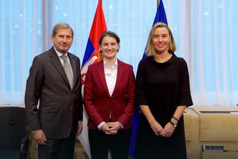 Johanes Han, Ana Brnabić i Federika Mogerini danas u Briselu