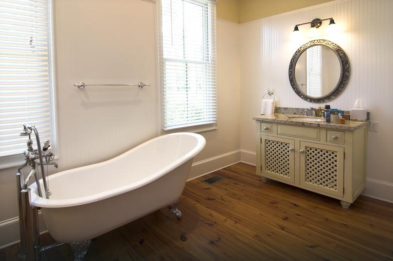 jakie materia y na cian i pod og mo na wykorzysta w azience dom. Black Bedroom Furniture Sets. Home Design Ideas