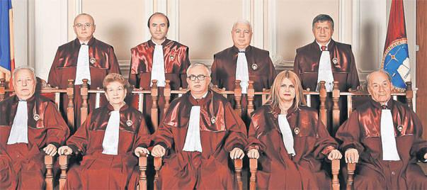 Curtea Constitutionala din 2012