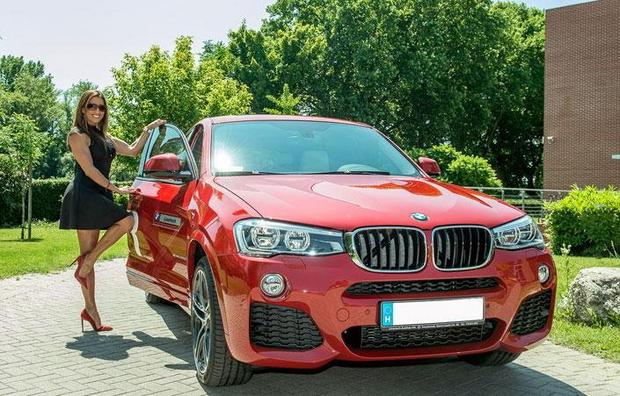 X5 car - Color: Red  // Description: appealing