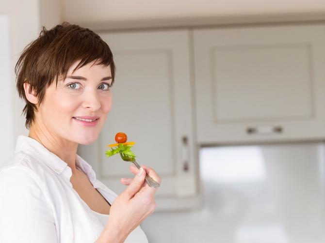 Trudnice, najbolja je organska hrana, ali ako ne možete da je nabavite, makar čitajte etikete