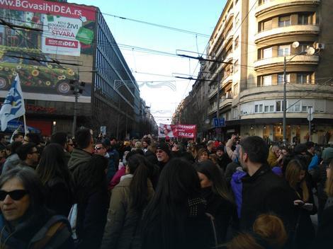 Skup ispred Beograđanke