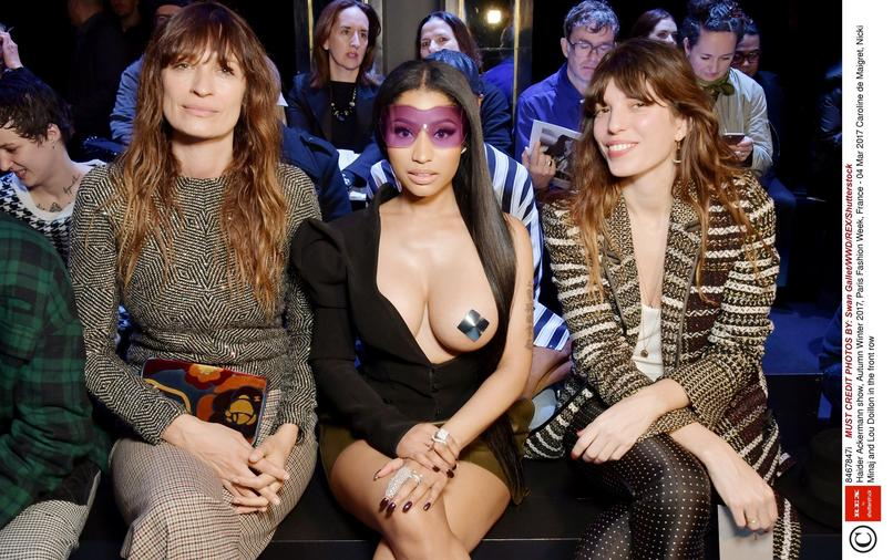 "Paryski Fashion Week i ""piersiowe"" faux pas Nicki Minaj"