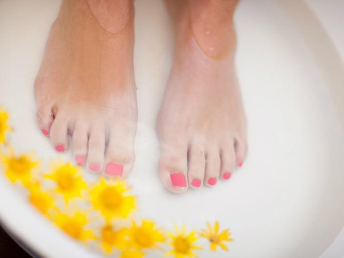 Pogledajte svoja stopala: Ovo je 5 znakova da imate SKRIVENI problem