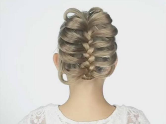 Prelepa frizura za dva minuta! Potrebna vam je samo obična OLOVKA