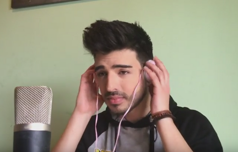Piše hitove brojnim pevačicama, a sada je pokazao još jedan talenat! VIDEO