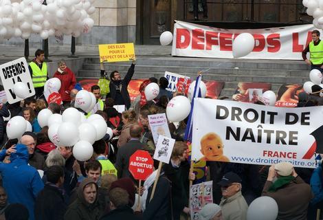 Protest u Belgiji zbog eutanazije devojčice