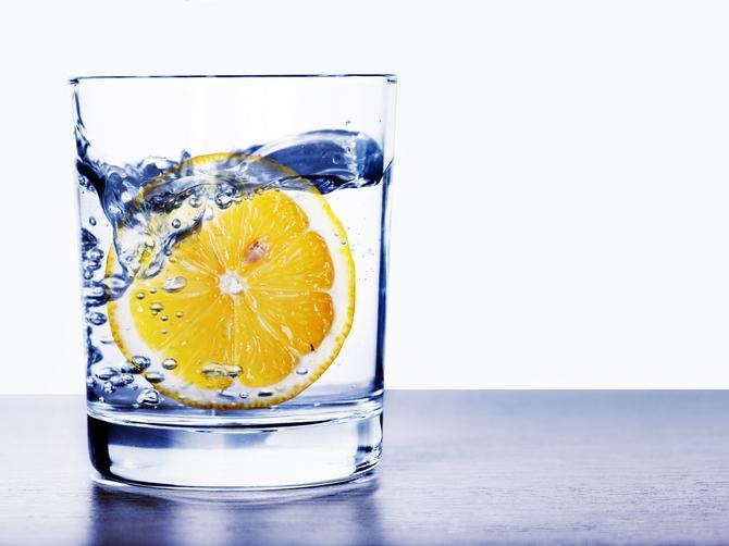 Napravite sami alkalnu vodu: Poboljšajte imunitet, očistite se toksina i sprečite rak