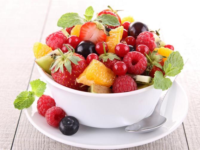 Volite voće i često ga jedete? Ove četiri stvari morate da znate