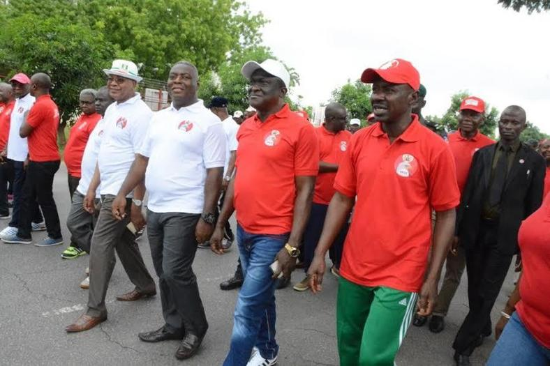 EFCC acting chairman, Ibrahim Magu leads march against corruption in Abuja(Pulse)