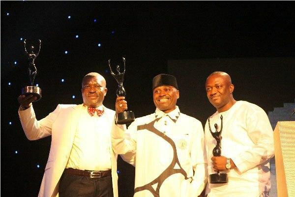 Kenneth Okonkwo and Kanayo O.Kanayo with Rep from Tunde Kilani at the 2013 AMAA