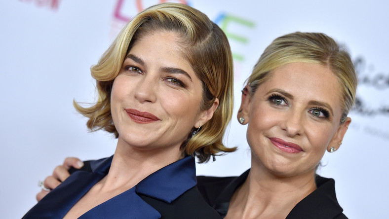 Selma Blair shows off shaved head in multiple sclerosis battle