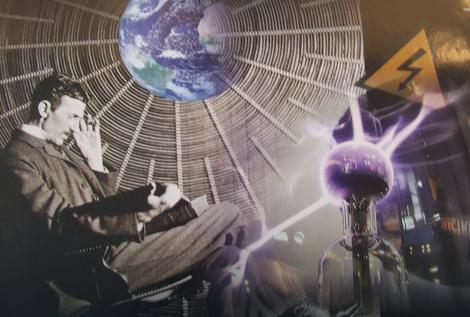 Tesla je bio uveren, i radio je na tome, da se misli mogu slati i primati na  daljinu
