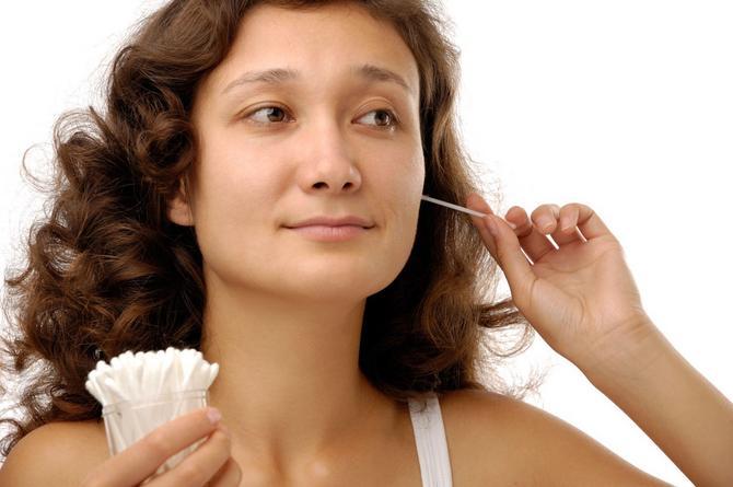 Ne preporučuje se grubo korišćenje štapića za uši