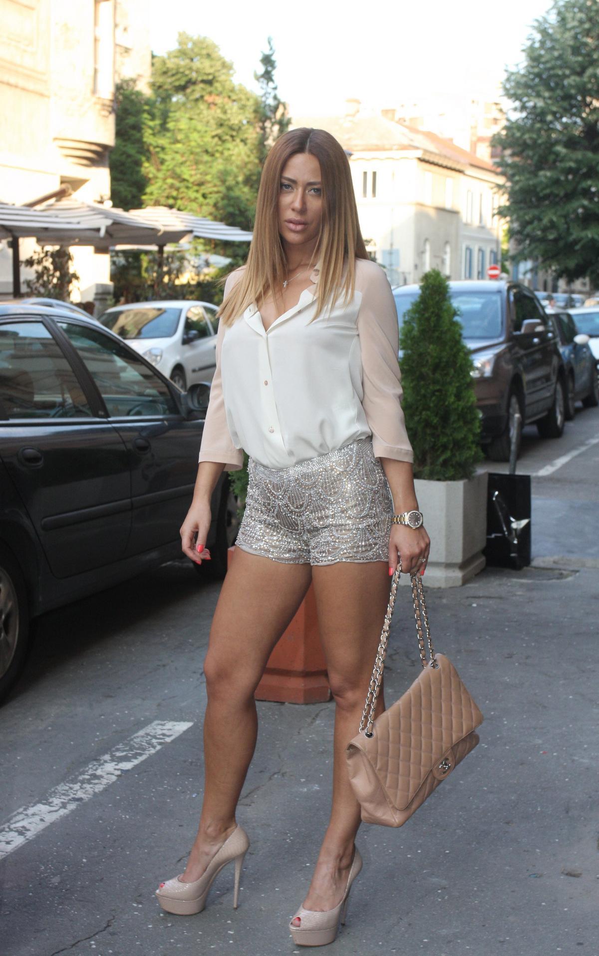 Ana Nikolić posle ponoći diže cenu za pet evra
