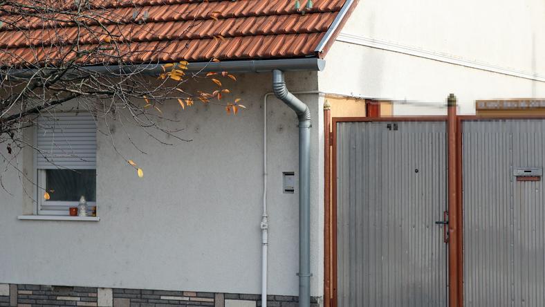 Ceglédi gyerekgyilkosság: padlóba verte egyéves fia fejét a ...