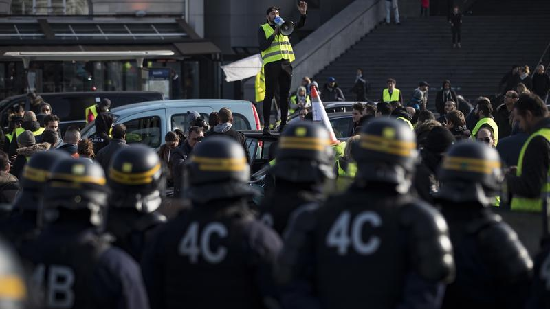 Több mint 100 ezren tüntettek az utcákon Franciaországban - rengeteg ember sérült meg