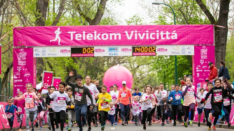 A hűvös idő sem szegte a futók kedvét: lezajlott a Telekom Vivicittá  első napja – fotók