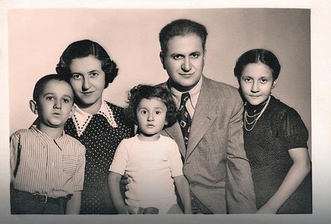 Ljubomir sa suprugom, sinovima i ćerkom koja je preminula odmah posle Drugog rata