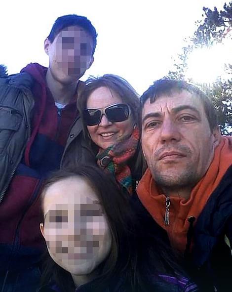 Dejan Kovačević sa ženom i decom