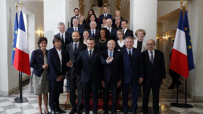 Emmanuel Macron z nowym francuskim rządem