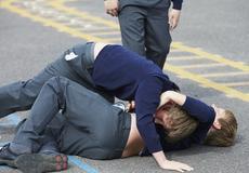Veszélyes kölykök  egyre kegyetlenebbek egymással az iskolások d0f4cf7fb0